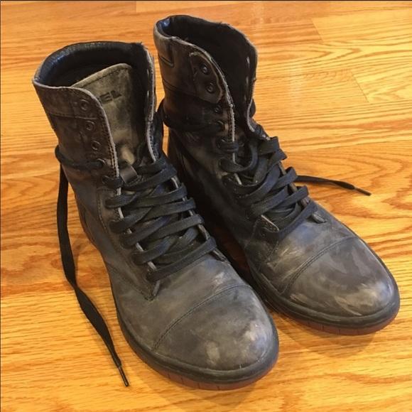 0b981d3a173 Diesel Men's distressed combat boots